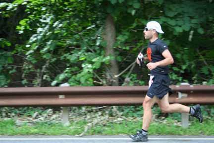 Scott running down the finalhill.
