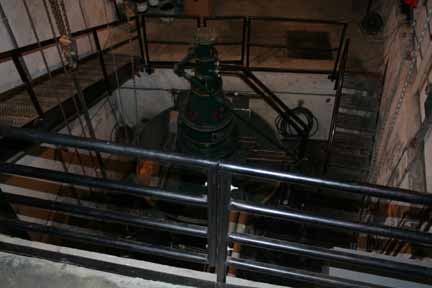 The hydroelectric turbine.