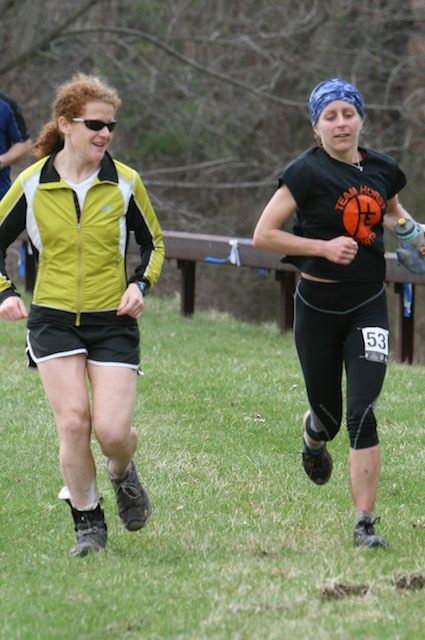 With 4 to go, Deb got encouragement from old friend, Nikki Kimball, who won the half marathon earlier.