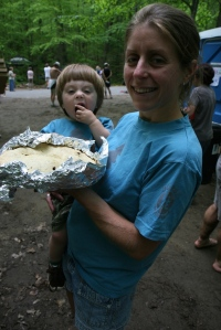 Shep and Deb savor the winners apple pie.