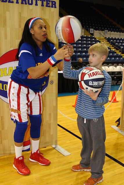 2014_YPO Shoot the Rock-Harlem Globetrotters Event 4